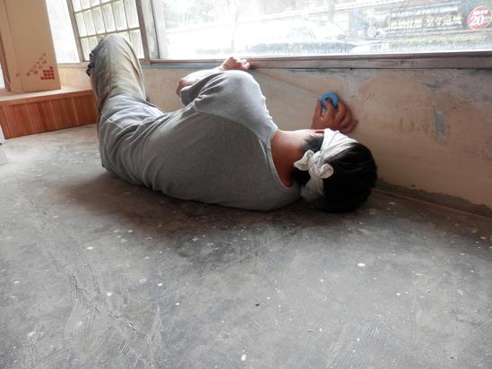 「土壁」塗りと「神棚」~☆_a0125419_7571323.jpg