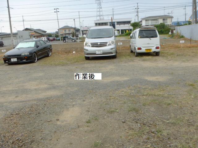 駐車場草刈り_c0186441_22243661.jpg