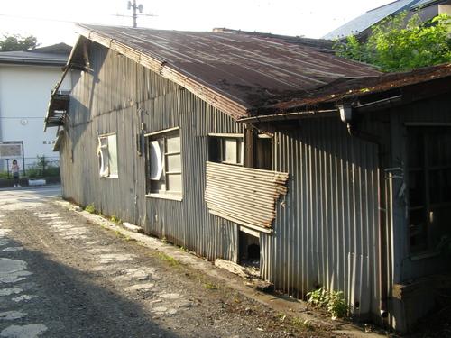 八戸市田名部副市長が廃屋問題を解決せよ_b0183351_8203581.jpg