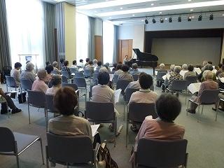 ピアノと歌のコンサート<アクティブライフ箕面>_c0107602_11234469.jpg