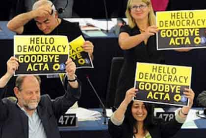 「ドイツ 美しすぎる女性政治家の主張」:ACTAはあらゆるコピーを禁止する!_e0171614_19331450.jpg