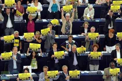 「ドイツ 美しすぎる女性政治家の主張」:ACTAはあらゆるコピーを禁止する!_e0171614_1933959.jpg