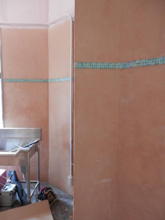 「土壁」塗りと「キッチンシート」☆_a0125419_8134298.jpg