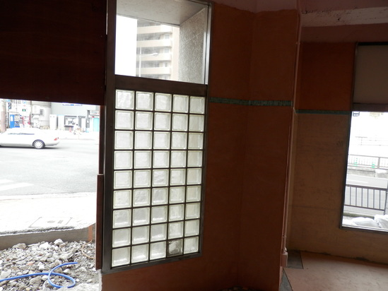 「土壁」塗りと「キッチンシート」☆_a0125419_8145140.jpg