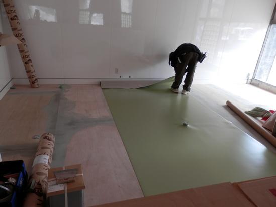 「土壁」塗りと「キッチンシート」☆_a0125419_8194234.jpg