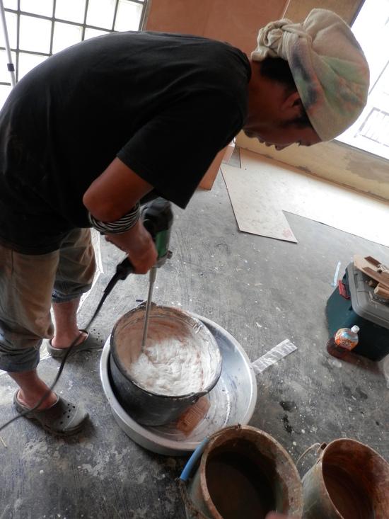 「土壁」塗りと「キッチンシート」☆_a0125419_8215337.jpg