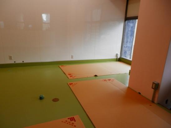 「土壁」塗りと「キッチンシート」☆_a0125419_8455933.jpg