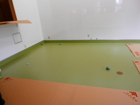 「土壁」塗りと「キッチンシート」☆_a0125419_845861.jpg