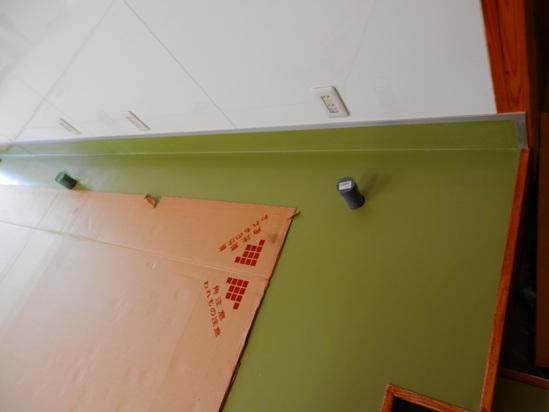 「土壁」塗りと「キッチンシート」☆_a0125419_8461880.jpg