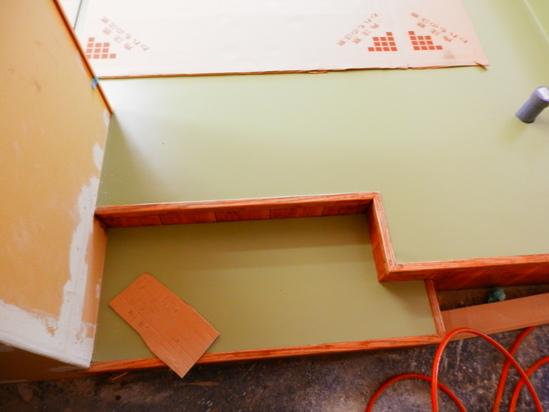 「土壁」塗りと「キッチンシート」☆_a0125419_8463990.jpg