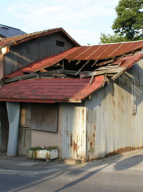 八戸市には地域担当職員制度あり 廃屋では動いたのか?_b0183351_8284715.jpg
