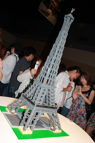 PIECE of PEACE - World Heritage Exhibit Built with LEGO in Dojima River Forum_a0004752_11184243.jpg