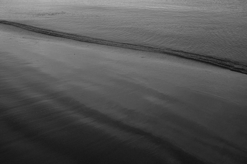 波打ち際で_f0137354_21151029.jpg