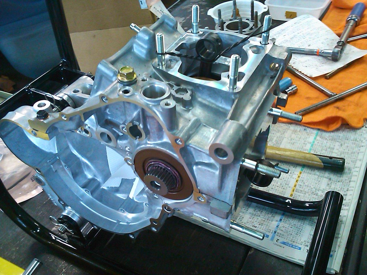 NSR250エンジン組み上げ!!_e0114857_21364943.jpg