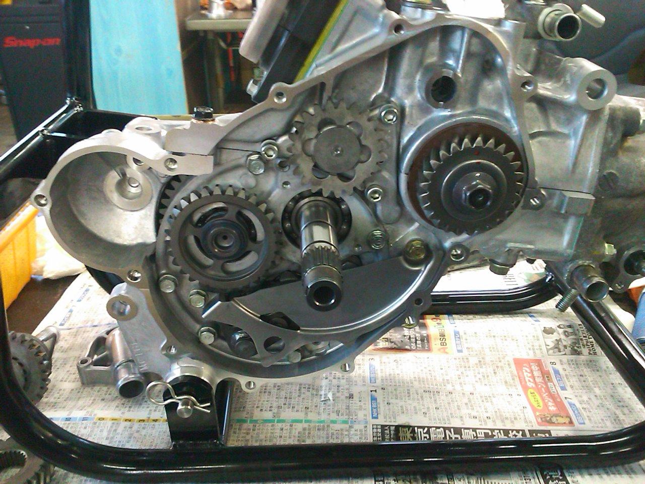 NSR250エンジン組み上げ!!_e0114857_21432321.jpg