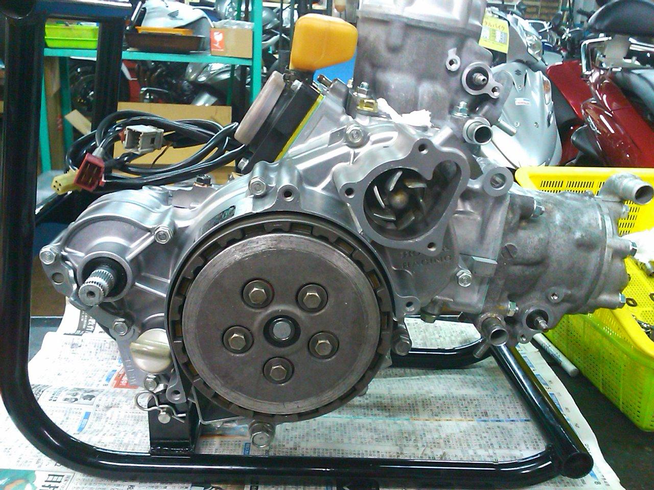 NSR250エンジン組み上げ!!_e0114857_21453145.jpg