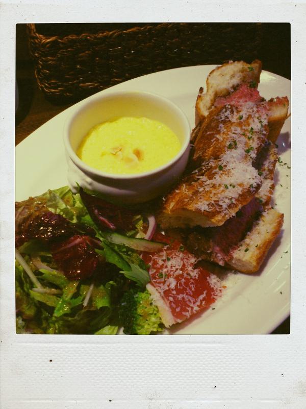 洋食おかだで牛リブロースステーキバケットサンドを食べる_b0065587_20521991.jpg