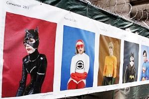 NYで開催中の誰でもみんなヒーローってテーマのストリート写真展_b0007805_1391435.jpg