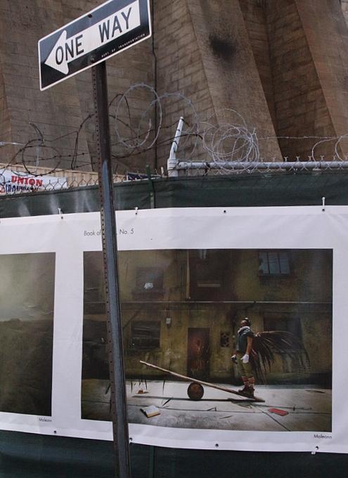 NYで開催中の誰でもみんなヒーローってテーマのストリート写真展_b0007805_1511393.jpg