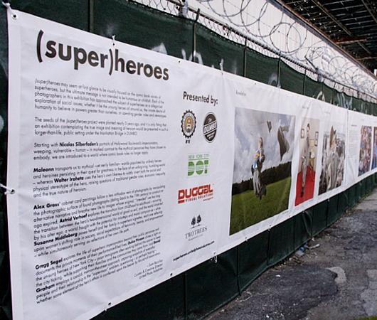 NYで開催中の誰でもみんなヒーローってテーマのストリート写真展_b0007805_1521069.jpg