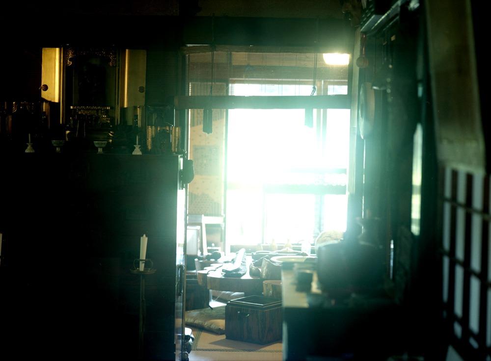 田中泯「場踊り」そして平間至「写真」の競演 新発田で_c0065410_233022.jpg