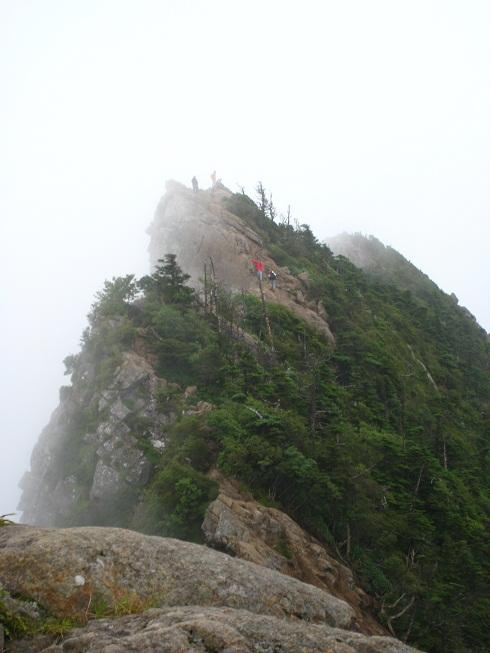西日本最高峰「石鎚山」へ_d0110519_263440.jpg