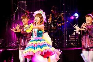 言葉も国境も超えて!中川翔子、笑顔でアジアツアーを完走!!_e0025035_1046882.jpg