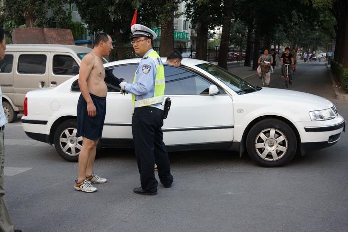 北京の交通事故_c0182775_16321542.jpg