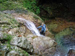 明石谷支流ナラ谷大滝から明石1141.3m_a0133014_1812334.jpg
