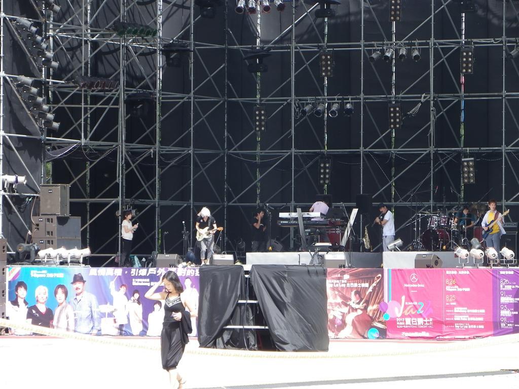 08/26 T-SQUARE 夏日爵士音樂祭 中正紀念堂 藝文廣場_d0187917_383837.jpg