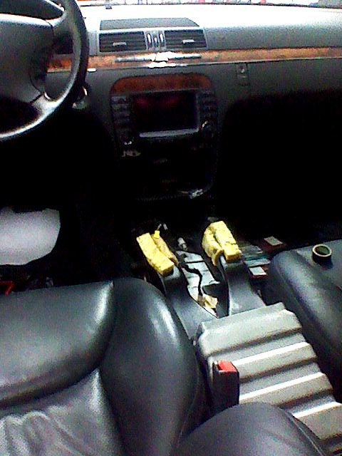 w220 メルセデス ベンツ S350 シフトレバー 動かない_d0171835_20143877.jpg