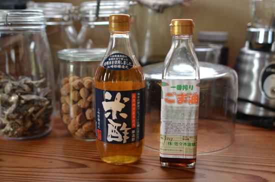 九州の土産紹介1:お酢と胡麻油_f0203920_11484916.jpg