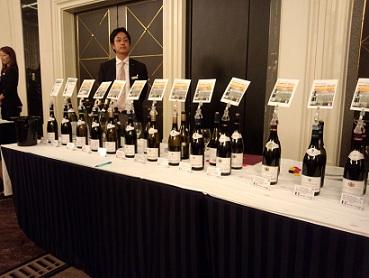 朝から〝ワイン三昧〟???_a0254125_213055.jpg