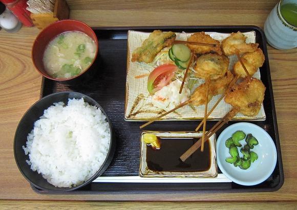 串乃助 / 本当に美味い串カツ_e0209787_13224750.jpg