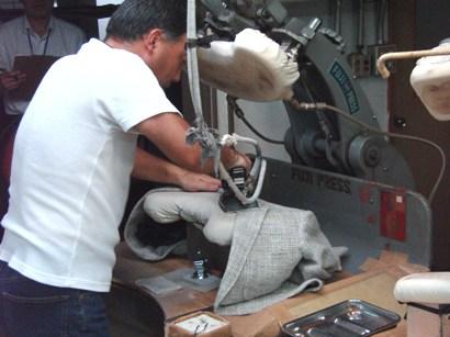 """""""ニッポンのクラシコ"""" ~ イタリアの伝統技法を継承して40年 「イワテスーツ工房」を訪ねる 編_c0177259_2024547.jpg"""
