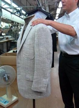 """""""ニッポンのクラシコ"""" ~ イタリアの伝統技法を継承して40年 「イワテスーツ工房」を訪ねる 編_c0177259_20452315.jpg"""
