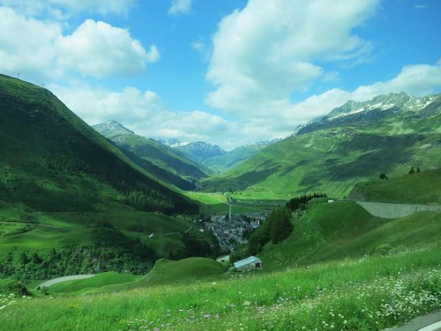 谷間の町/Rhonegletscher_e0233674_11353792.jpg
