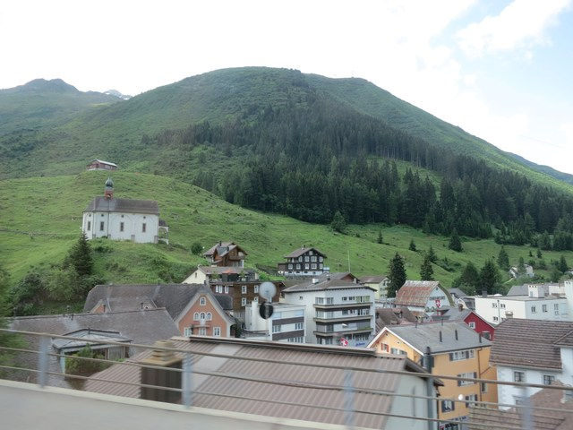 谷間の町/Rhonegletscher_e0233674_11361917.jpg