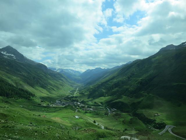谷間の町/Rhonegletscher_e0233674_11364667.jpg
