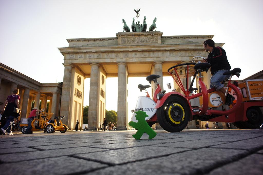 ベルリンのアンペルマン、ですから。_c0180686_2353326.jpg