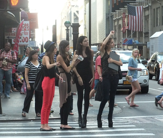 ファッション祭りシーズンのニューヨークの街角風景_b0007805_10102553.jpg