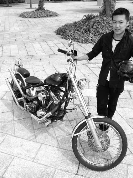 菅野 大志 & Harley-Davidson FXSTC (2012 0810)_f0203027_7405471.jpg