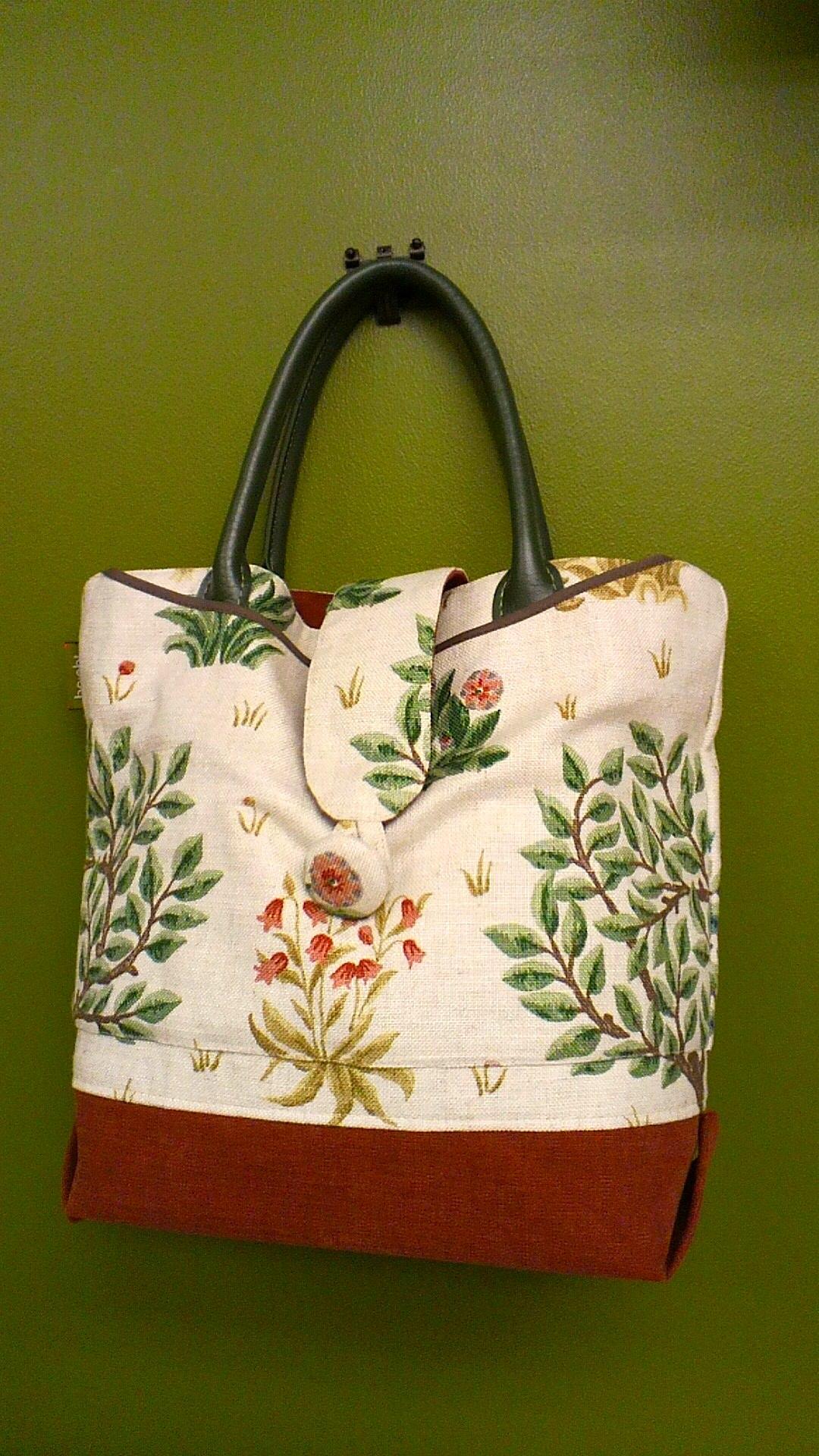 モリスのカーテン生地で作った「布バッグ」_c0157866_14335148.jpg
