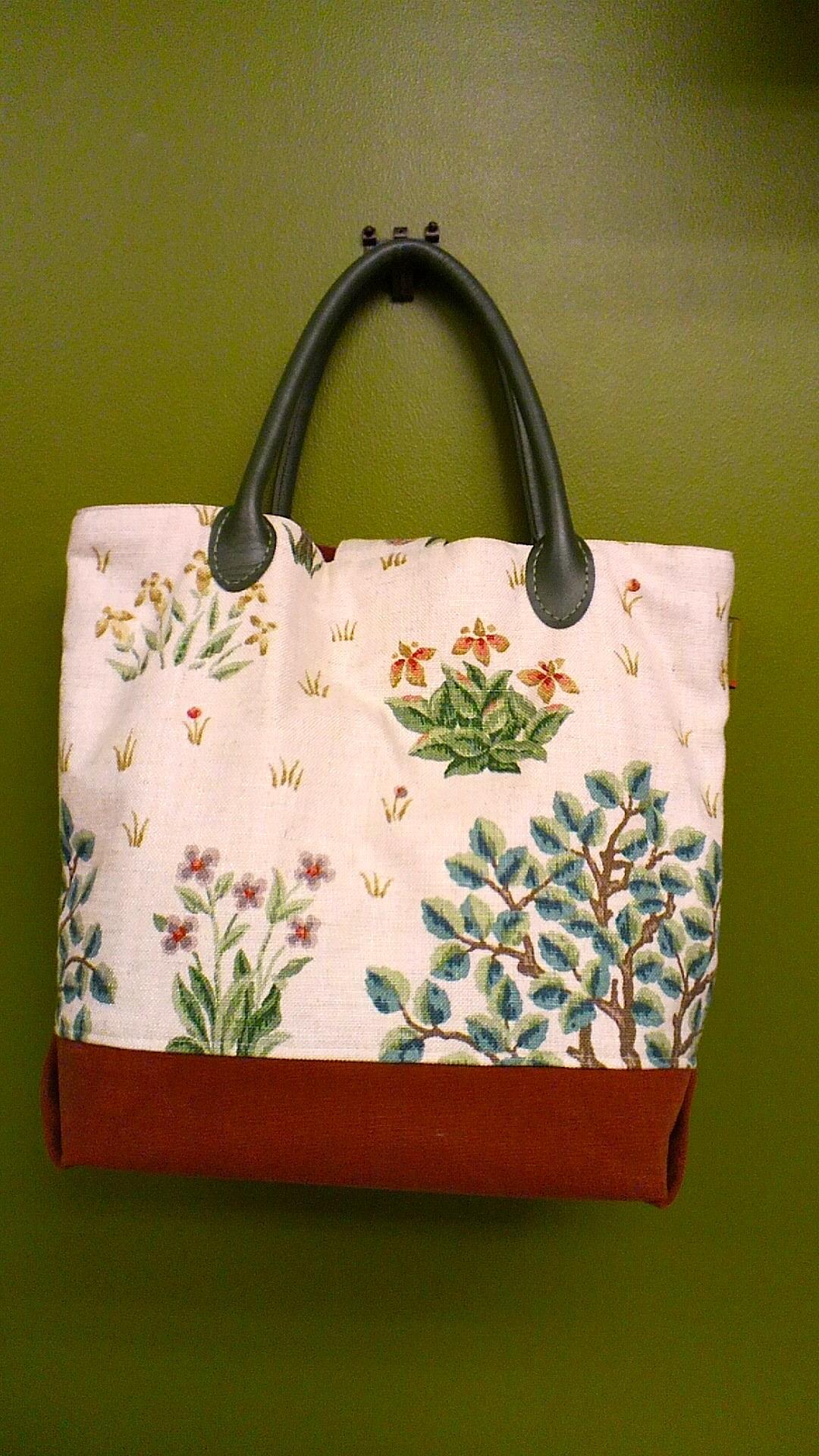 モリスのカーテン生地で作った「布バッグ」_c0157866_1434336.jpg