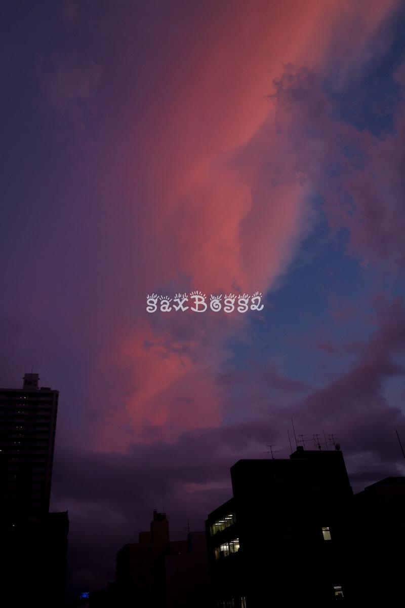 マジックアワーに見えた美しい夕焼け雲_f0033205_0581652.jpg