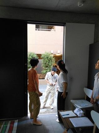 120907 潤いに満ちた「アシナガハウス」探訪_f0202414_1362623.jpg