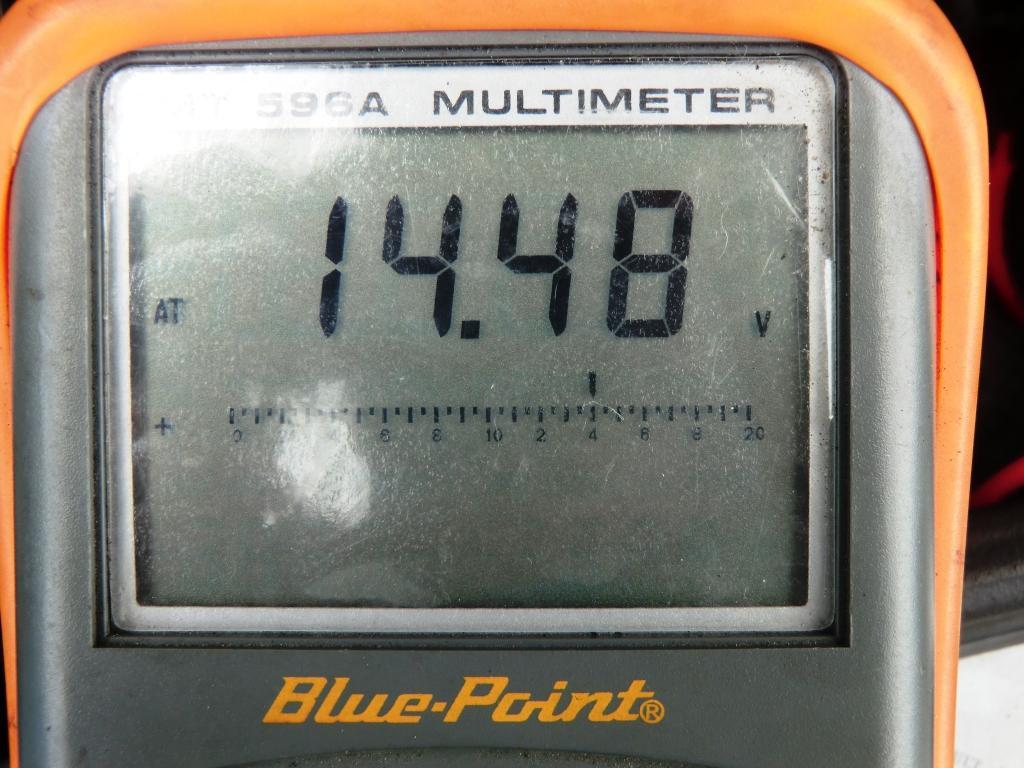 バッテリー上がり?_b0144624_19371036.jpg