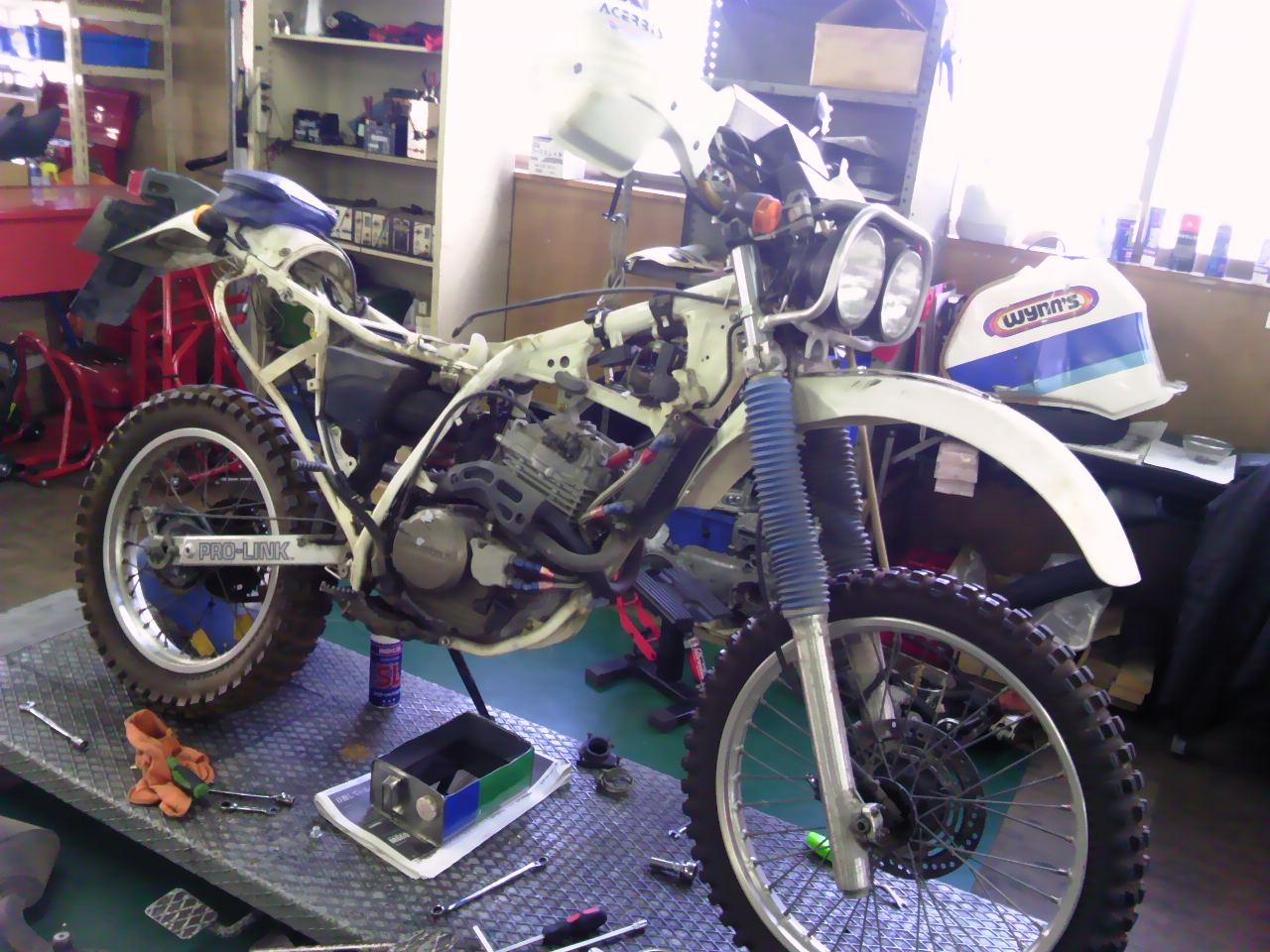 XR250Rエンジン分解!!_e0114857_2254229.jpg