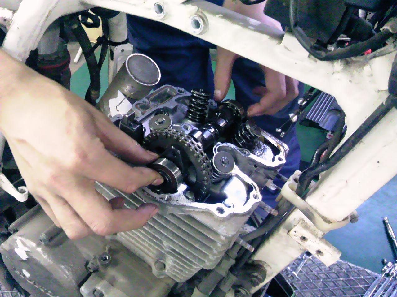 XR250Rエンジン分解!!_e0114857_22585835.jpg