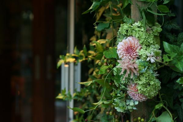 飯田橋ラ・ブラスリー様の装花 夏の終わり、秋のはじめ くすだまにあわせて _a0042928_2248266.jpg